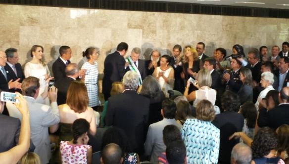 Agnelo Queiroz passa a faixa para o novo governador do DF, Rodrigo Rollemberg